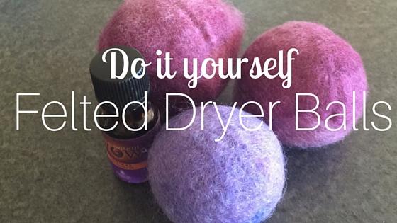 {DIY} Felted Dryer Balls