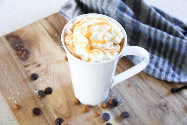 Copycat-Salted-Caramel-Hot-Chocolate-9