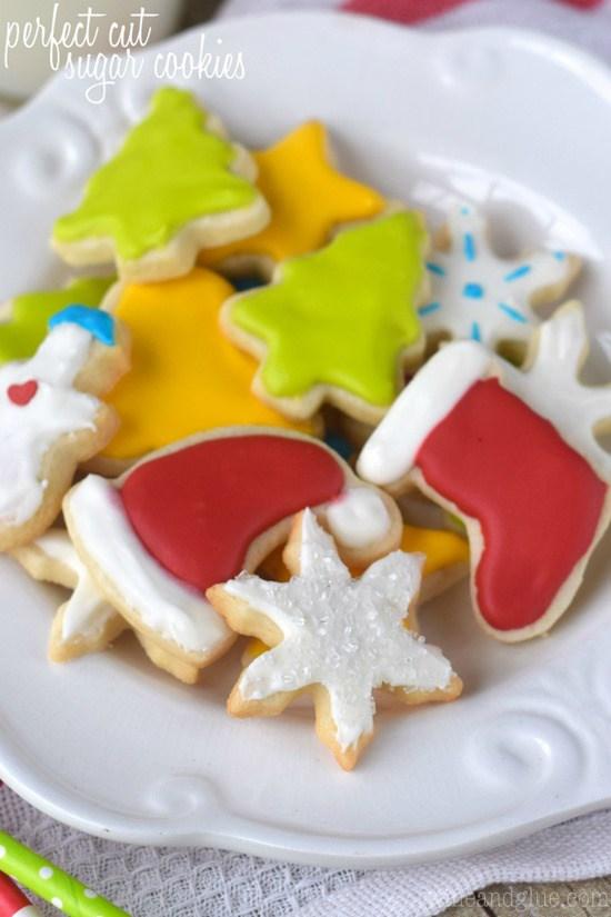 Perfect-Cut-Sugar-Cookies_thumb