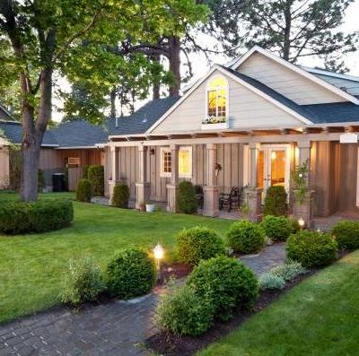 Post-Winter Home Maintenance: 5 Projects to Improve Your Curb Appeal